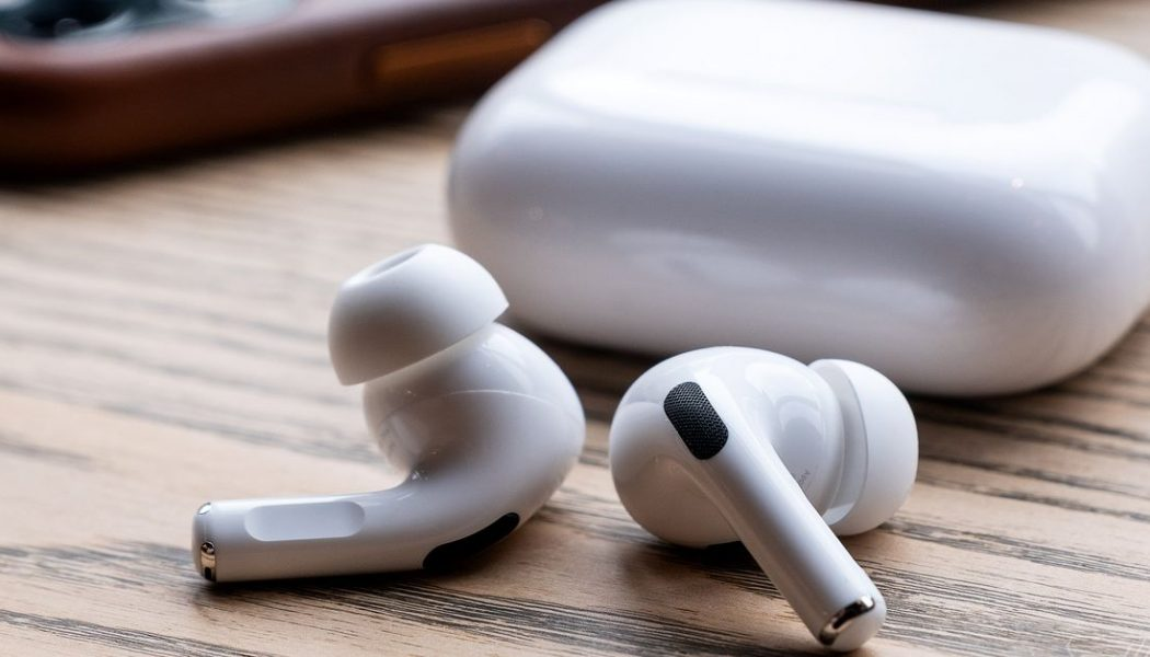Apple will replace AirPods Pro for free with faulty noise cancellation, static or crackling