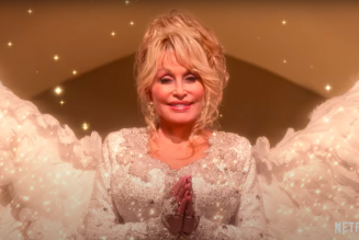 Dolly Parton Is a Literal Angel in Trailer for Netflix's Christmas on The Square: Watch