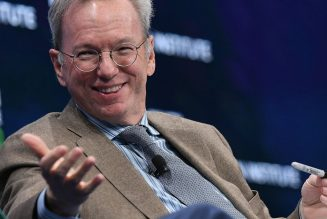 Eric Schmidt, who bought YouTube for a premium, thinks social networks are 'amplifiers for idiots'