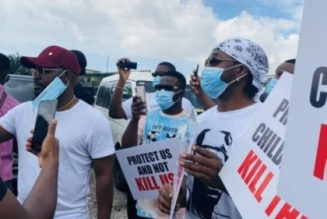 Falz and Runtown lead End Sars protest in Lagos