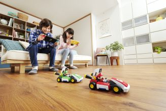 HHW Gaming: 'Mario Kart Live: Home Circuit' Turns Your Home Into A Race Track