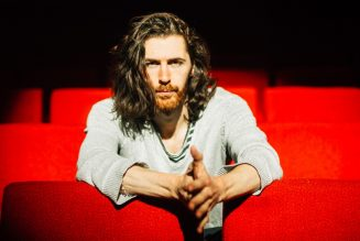 Hozier Surprised a Busker Performing 'Take Me to the Church': Watch