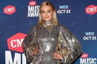 Kelsea Ballerini Asks Haters to 'Politely Shut Up' After CMT Music Awards Performance With Halsey