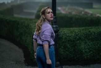 Netflix's The Haunting of Bly Manor Is a Breathtaking, Ghostly Love Story: Review