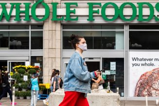 Whole Foods now offers free one-hour grocery pickup at all US stores