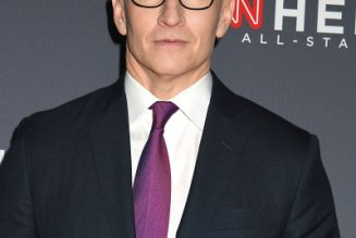 """Anderson Cooper Dunks Trump With """"Obese Turtle"""" Jab During Broadcast"""