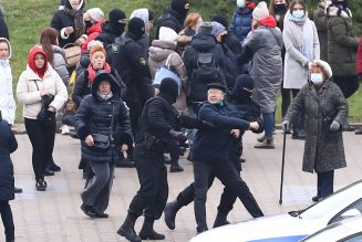 Belarus police use tear gas, stun grenades to disperse anti-government protesters