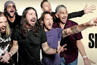 """Foo Fighters Debut """"Shame Shame"""", Dust Off """"Times Like These"""" on SNL: Watch"""
