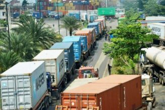 Nigerian government orders parked trucks, trailers on Lagos-Ibadan Expressway to vacate