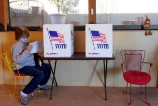 Polls start to close in tense US presidential election