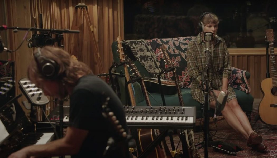 Taylor Swift Announces folklore: the long pond studio sessions Film
