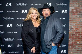 This Is How Garth Brooks & Trisha Yearwood Are Celebrating Thanksgiving This Year
