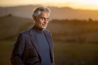 Andrea Bocelli Brings the Spirit of the Season to 'A Christmas Prayer' Performance