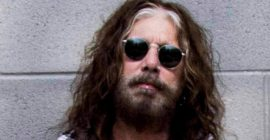 Former MÖTLEY CRÜE Singer JOHN CORABI Says His Upcoming Autobiography Will 'Piss Off' A Few Of His Ex-Wives