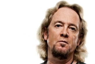 IRON MAIDEN's ADRIAN SMITH Praises Late Producer MARTIN BIRCH: He 'Let Us Sound Like We Sounded'