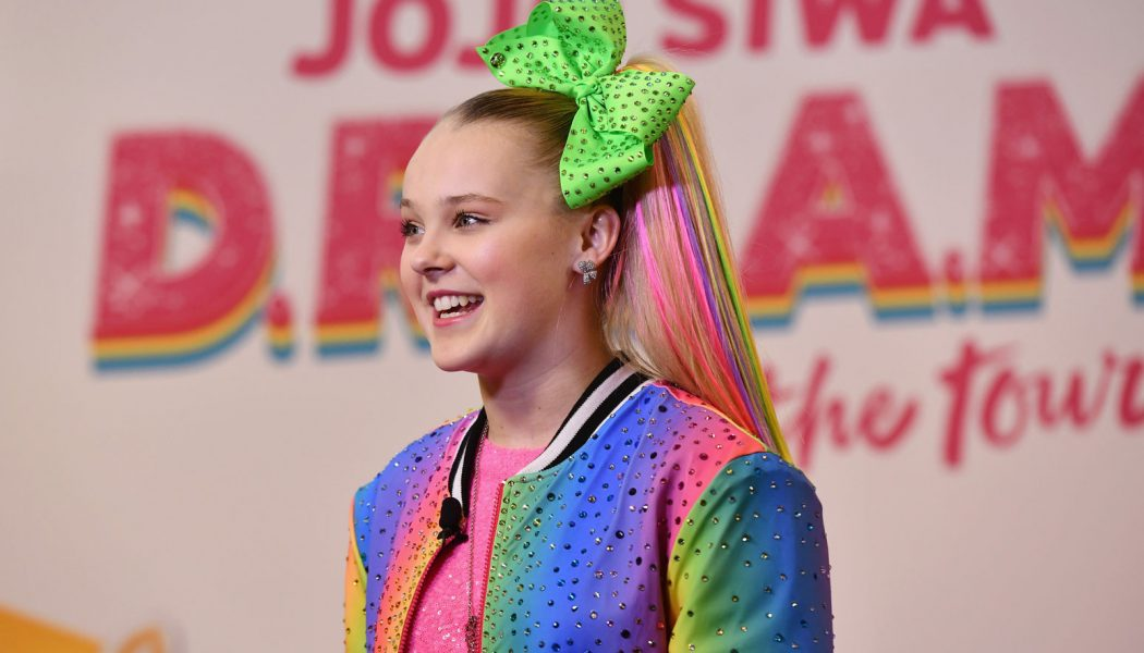 JoJo Siwa Reveals Her 'Whole Family' Had Coronavirus