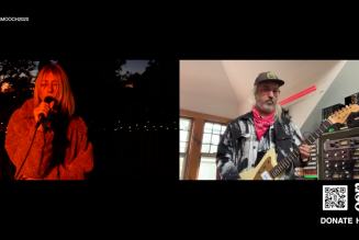 """Kim Gordon, J. Mascis, and Fred Armisen Perform New Song """"Abstract Blues"""": Watch"""