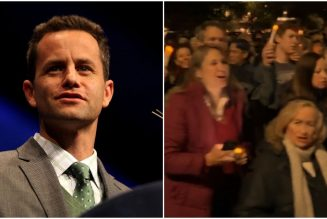 Once-Relevant Actor Kirk Cameron Holds Large Caroling Event in the Middle of the Pandemic
