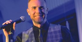 Take That's Gary Barlow Takes Lead on U.K. Midweek Chart