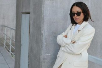 The Simple Outfit Fashion Girls Wear on Repeat in Winter