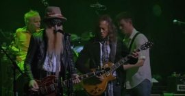 Watch Pro-Shot Video Of KIRK HAMMETT And BILLY GIBBONS Performing FLEETWOOD MAC's 'The Green Manalishi (With The Two Prong Crown)'