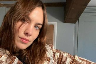 Alexa Chung Loves These £35 Sandals and I Can't Wait to Wear a Pair