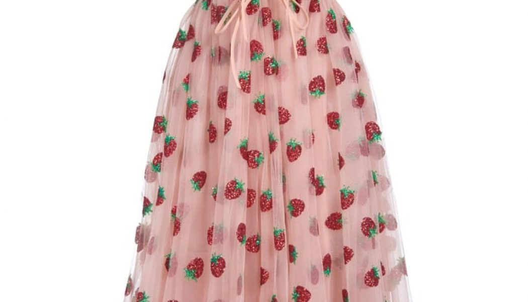 """Cottagecore: Create Your Own Version of the """"Strawberry Dress"""" With This Dreamy Tutorial"""