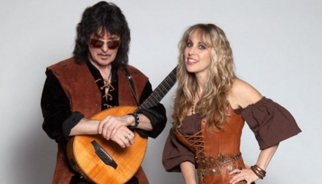 Hear BLACKMORE'S NIGHT's New Single 'Four Winds'