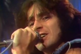 Previously Unheard Music From Late AC/DC Singer BON SCOTT Officially Released After 50 Years