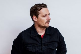 Sturgill Simpson Unplugs for 'Tonight Show' Performance: Watch