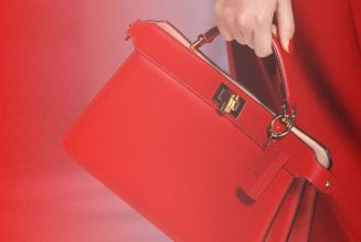 6 Trendy Handbag Colours That Are Winning Spring 2021