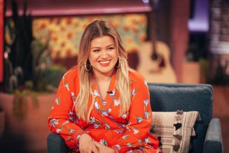 Kelly Clarkson Opens Up About the Perfect Date With Herself Ahead of Valentine's Day: Watch