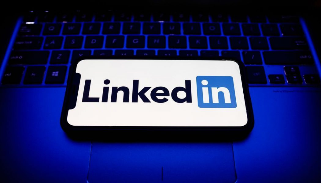 LinkedIn is back up after an outage