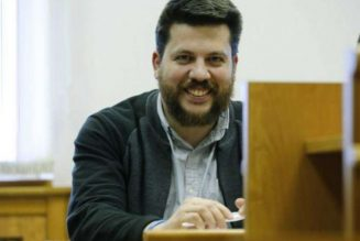 Russia issues arrest warrant for Alexei Navalny ally