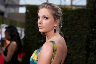Taylor Swift's Re-Recorded 'Love Story' Sells 10,000 in U.S. on First Day