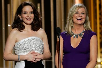 Tina Fey & Amy Poehler to Host 2021 Golden Globes From Separate Coasts