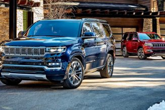 2022 Jeep Wagoneer vs. Grand Wagoneer: What Are the Differences?