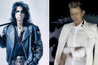 """Alice Cooper: David Bowie Saw My Stage Show and Said This Is What He """"Should Be Doing"""""""