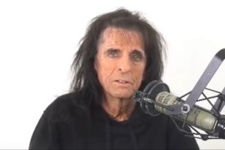 ALICE COOPER Likes The Idea Of Recording Next Album On The Road: 'If You Get The Right Players, You Can Do Anything'