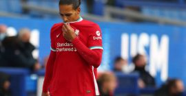 Gary Lineker shares his six-word reaction to Virgil van Dijk's training video