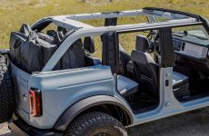 How Do You Remove the 2021 Ford Bronco's Hard Top?