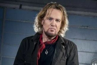IRON MAIDEN's ADRIAN SMITH On His Guest Appearance On HEAR 'N AID's 'Stars': 'I Wasn't Looking Forward To It'