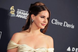 Lana Del Rey Earns Fifth U.K. No. 1 With 'Chemtrails Over The Country Club'