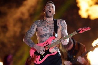 """Maroon 5 Singer Adam Levine Declares """"There's No Bands Anymore"""""""
