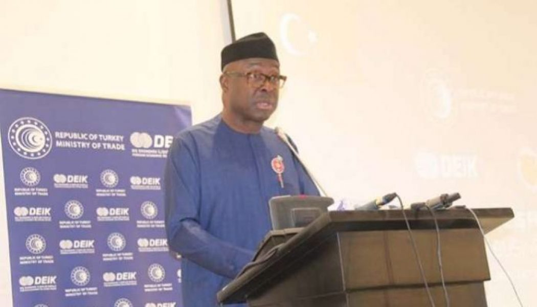Minister tasks NSDC boss on ensuring self-sufficiency in sugar production