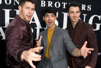 Nick Jonas Announces Deluxe Version of 'Spaceman' With New Jonas Brothers Song