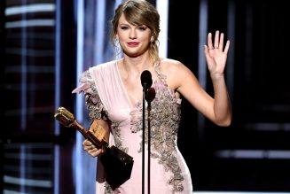 Taylor Swift Claps Back at 'Deeply Sexist' Joke in Netflix Show Ginny & Georgia