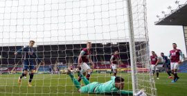 Twitter reacts to eventful draw between Burnley and Arsenal