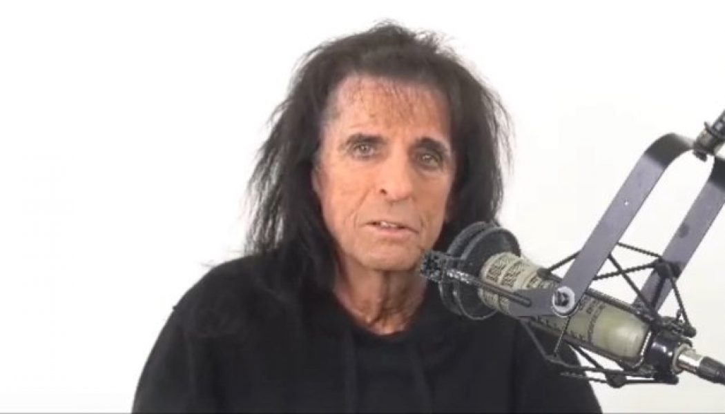 ALICE COOPER Lost 15 Pounds After Contracting COVID-19