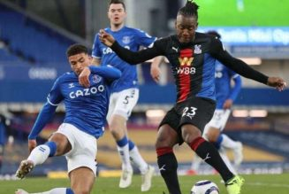 Everton blow late lead against Crystal Palace